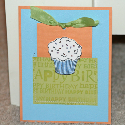 081908 Birthday cupcake card standing 1
