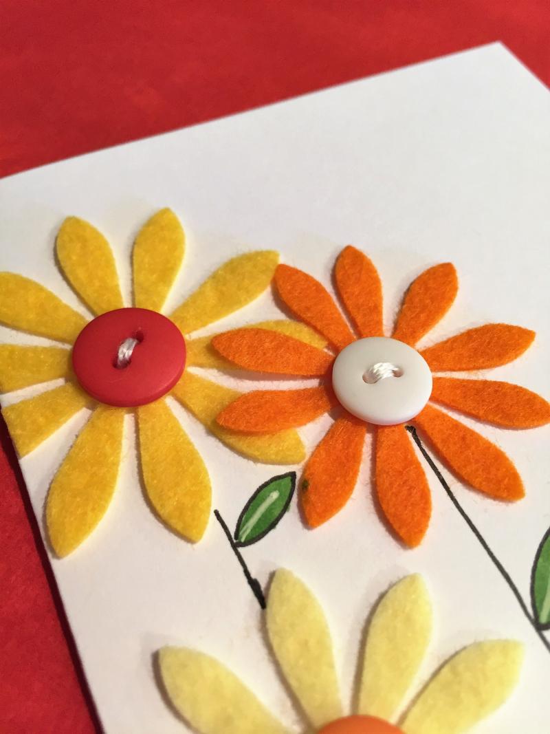 WPlus9 felt flowers card close up 2